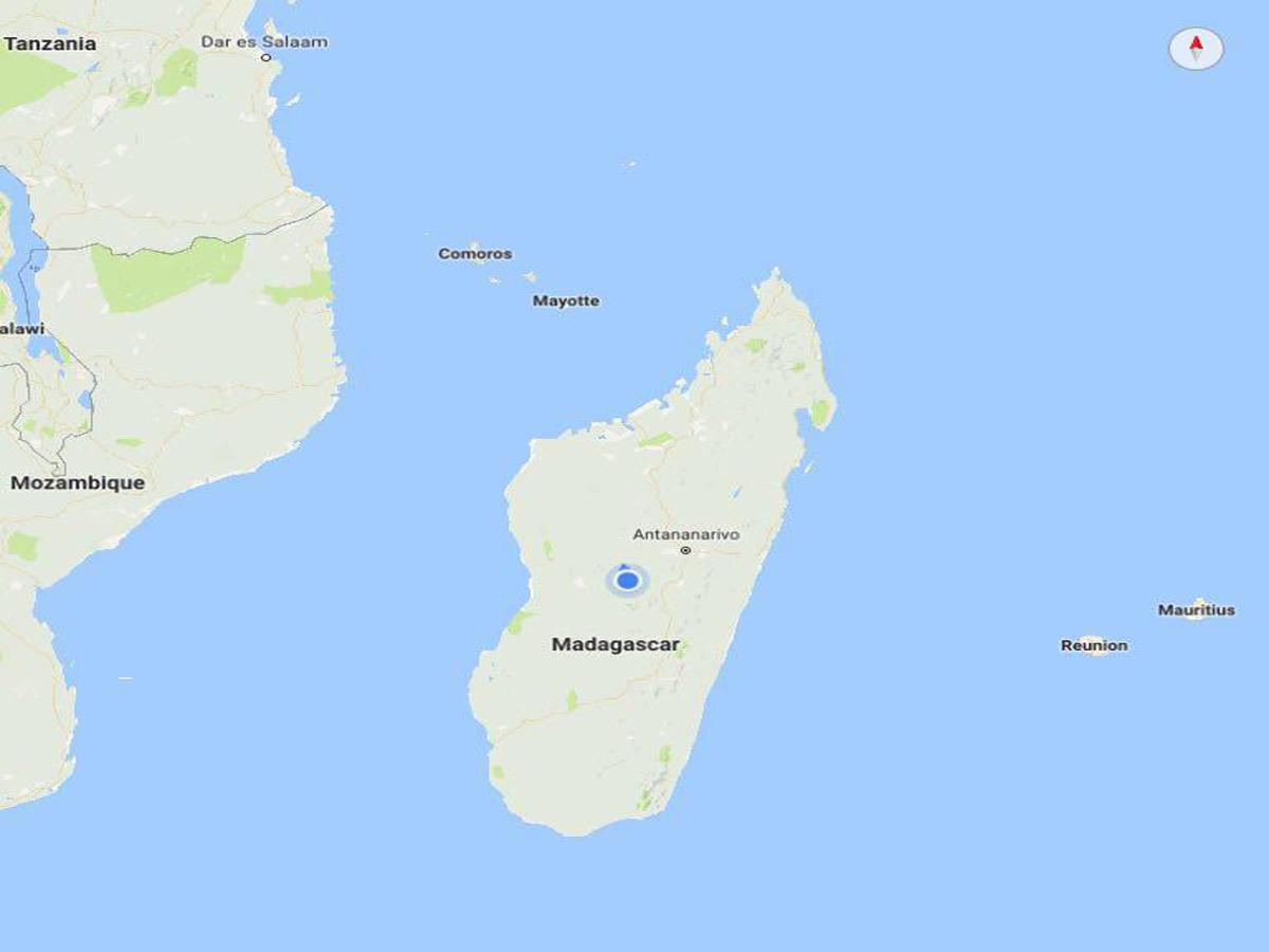 حالا بعد عبور از آسیا و اروپا، در جزیره ای جدامانده ای از آفریقا به نام ماداگاسکار قرار و آرام گرفته ایم، شاید همین تنها ماندنش در گذر میلیون ها سال است که اینگونه به این سرزمین اصالت و هویت داده است!