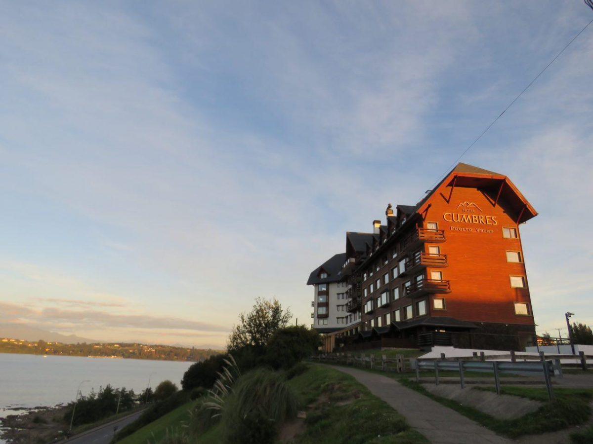 انگار مسابقه هتل سازیست اینجا در پرتوواراس، جالب است که بخش عمده ای از مشتریانشان هم چشم بادامی های آسیایی هستند!