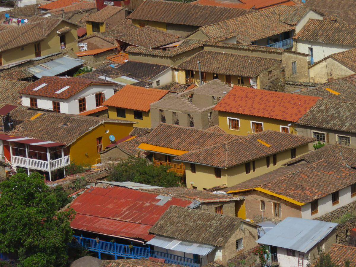 نمایی بسته از روستای اولان تایتامبو