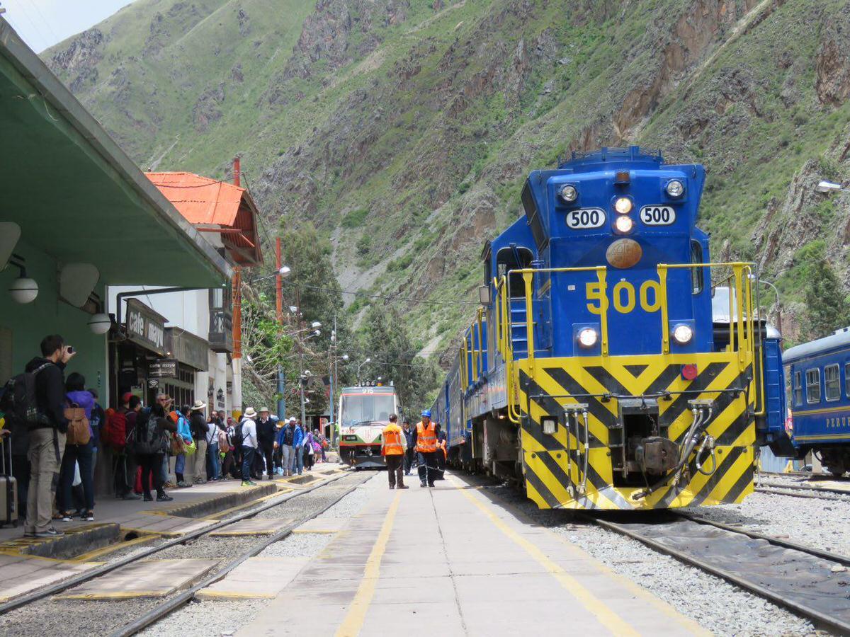 ایستگاه قطار اولان تایتامبو و انتظار شیرین مسافرانش