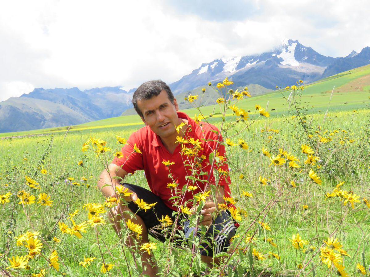 باز می گردیم به کوزکو از همان راهی که اومده بودیم، طبیعت زیبا و بخشنده هم باز بیشتر و بهتر نشانمان می دهد..
