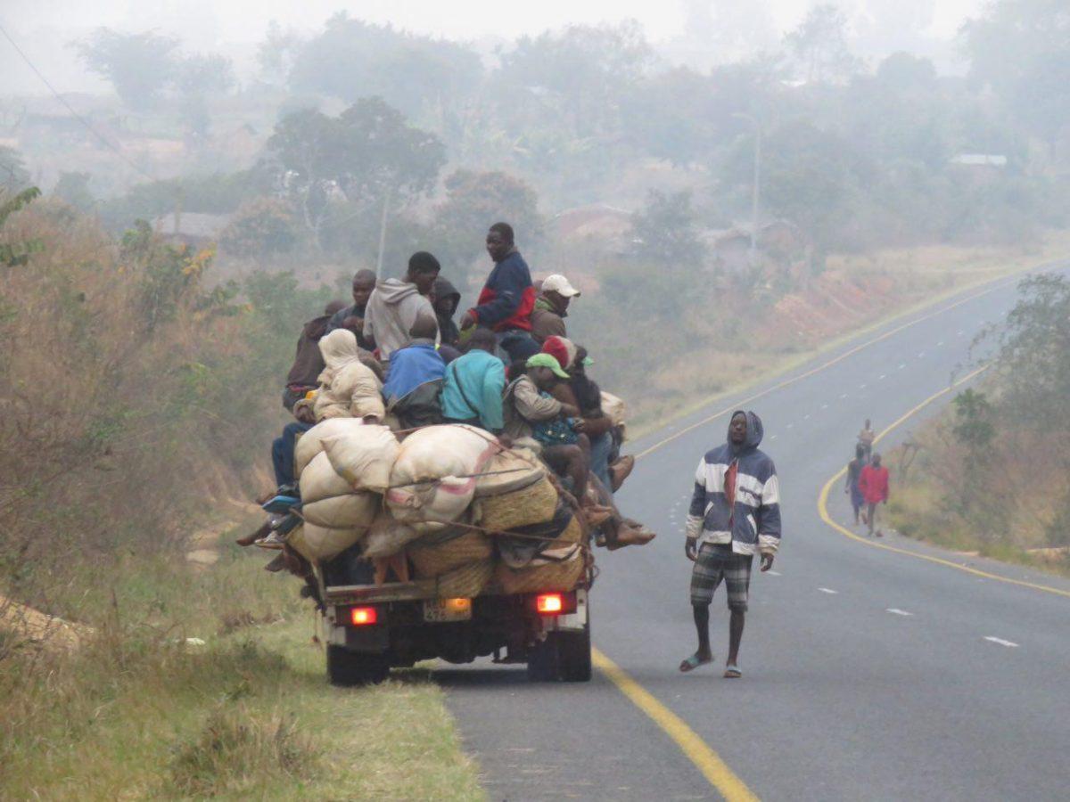 روح زندگی که باز در رگ جاده های موزامبیک جریان پیدا کرده است!